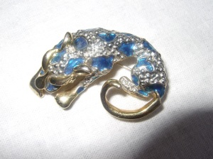Gorgeous vintage brooch now on eBay. Very unusual!